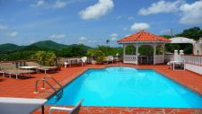Pool of the Grand View Hotel on Carriacou.