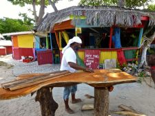 Paradise Beach – Off de hook beach bar and restaurant.