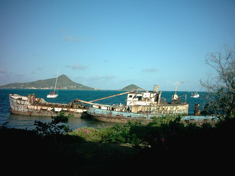 Windward Carriacou and Petit Saint Vincent on the background.